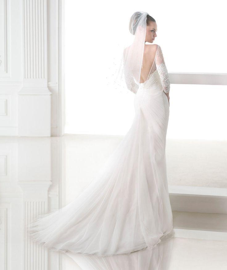 Fancy  best Pronovias Barcelona Wedding Dresses images on Pinterest Bridal veils Wedding dressses and Wedding