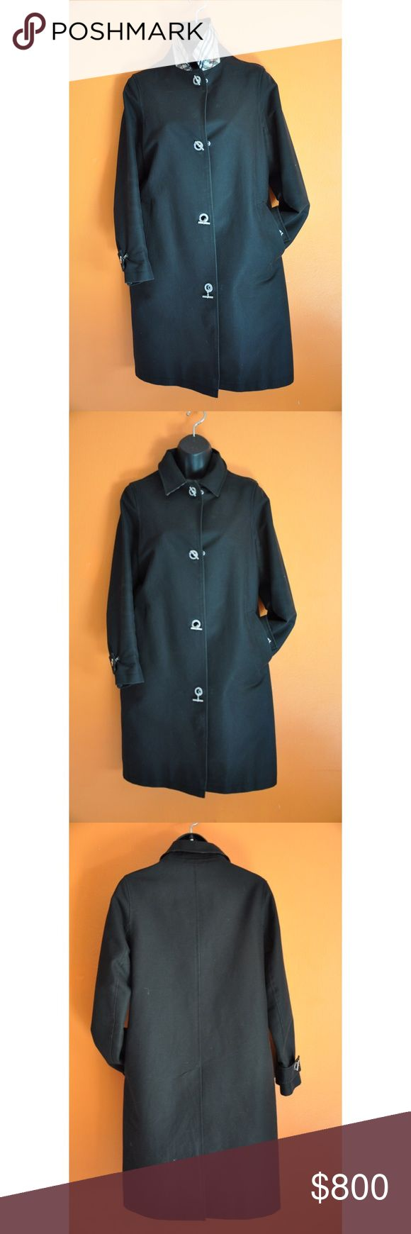 Trench coat Burberry trench coat. Preowned. In very good condition. Burberry Jackets & Coats Trench Coats