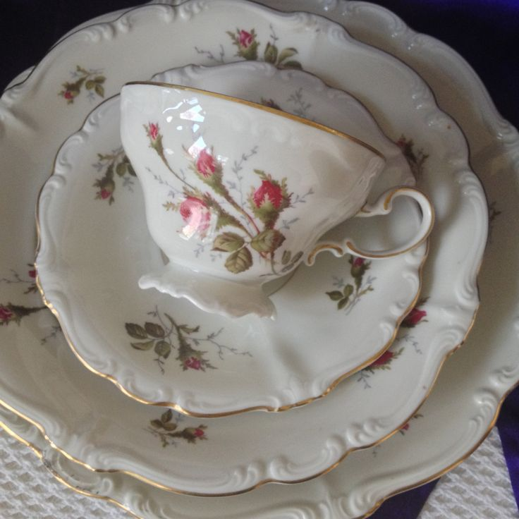 Rosenthal Moss Rose 4 Piece Place Setting with Teacup Pompadour Ivory Fine China Germany & 166 best Collectible China and Dinnerware ~ Vintage and Antique ...