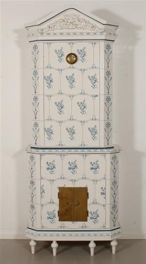 Kakelugn cabinet - faux swedish tiled stove Lauritz.com - Samtida stilmöbler - Kakelugnsskåp av 1700-talsmodell - SE, Örebro, Aspholmen