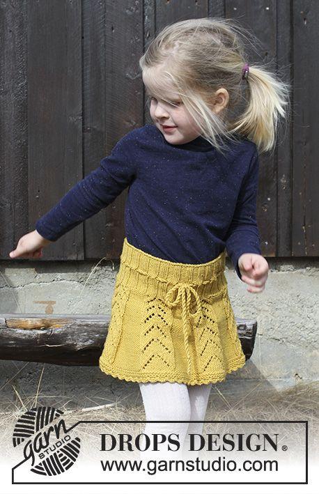 DROPS Children 30-20 - Nederdel med hulmønster og hæklekant til børn, strikket ovenfra og ned. Størrelse 2 - 12 år. Arbejdet er strikket i DROPS Merino Extra Fine