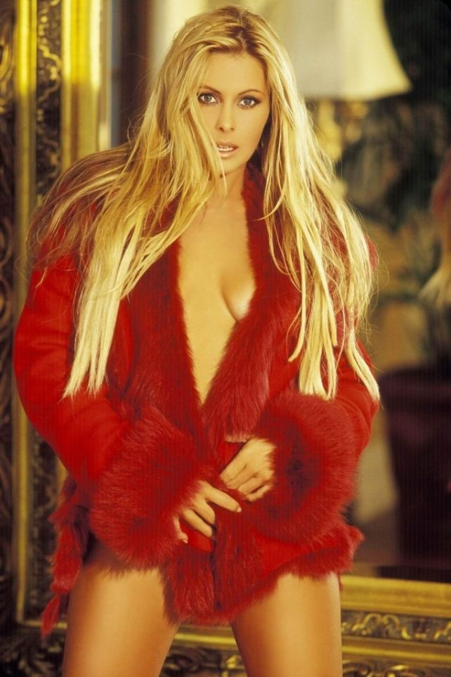 The 20 Hottest Photos Of Nicole Eggert (10 Of 20