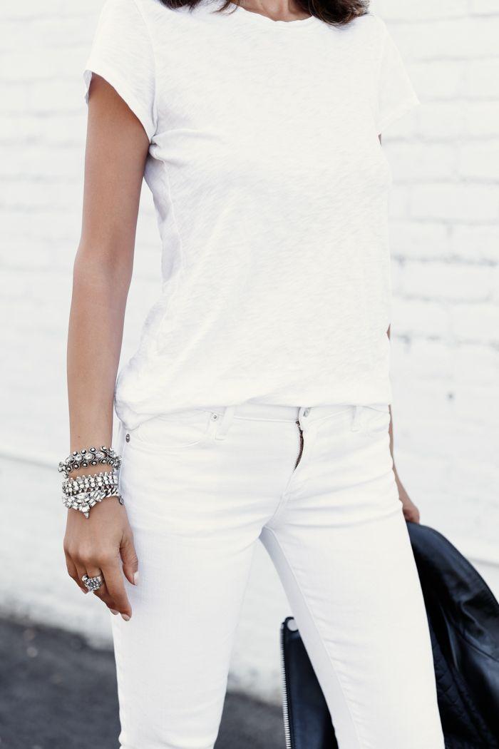 Look todo branco + acessórios prata