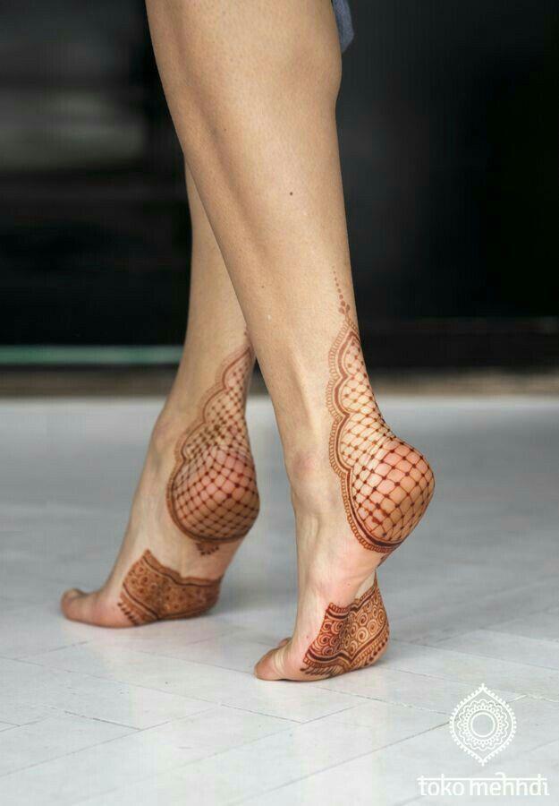 De 70 b sta heels feet posing bilderna p pinterest arches for Foot tattoo aftercare