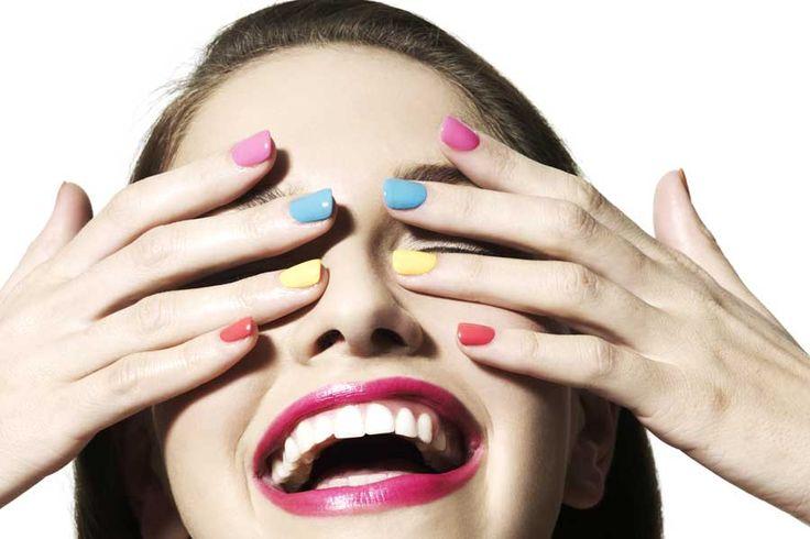 Graffiti-Lack, Nail-Art-Pen, Stempelset, Nagelsticker: Nail Art ist im Trend. Doch halten die Produkte, was sie versprechen? Die Redaktion