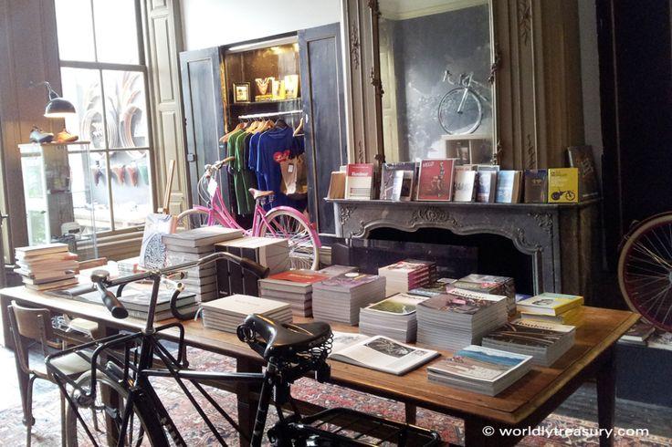 Lola Bikes & Coffee, Den Haag - worldly treasury