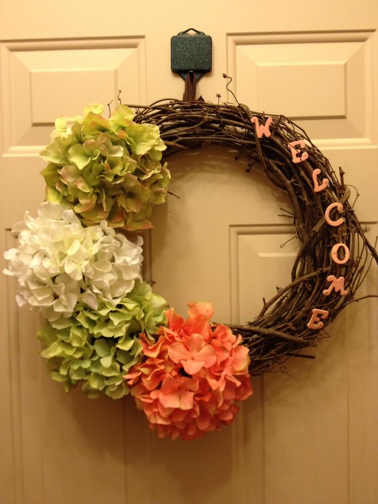 Diy welcome grape vine wreath wreaths pinterest for Vine craft ideas