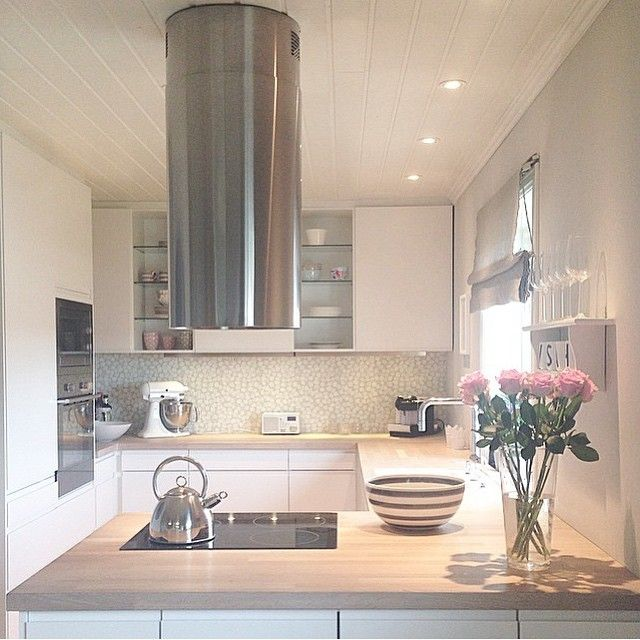 Beautiful kitchen Credit: @casathoring