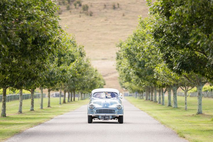 bridal car morris minor hawkes bay wedding te-awa-winery