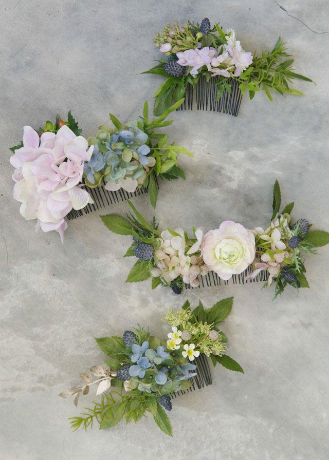 D.I.Y. Flower Comb   http://brideandbreakfast.hk/2015/06/23/d-i-y-flower-comb/