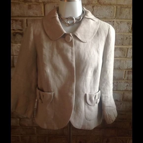 J. Crew. Neutral Color stylish Blazer 2 pockets J. Crew blazer size 6, fully lined 100% linen, 2 pockets, can be worn casual or business, preowned excellent condition J. Crew Jackets & Coats Blazers