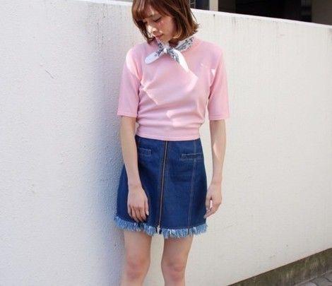 普通じゃつまらないジッパー付き台形スカートのコーデ術8つ