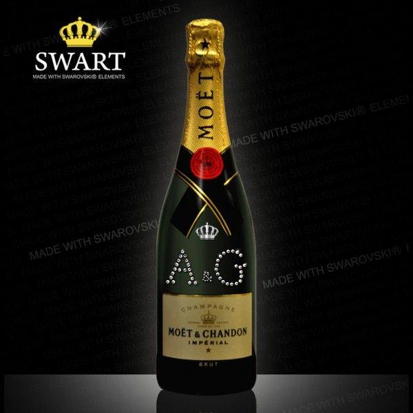 Champagne Moet personalizzabile con iniziali. Un regalo unico realizzato con cristalli Swarovski.