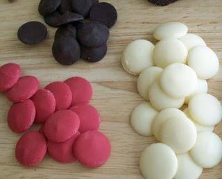 Modelling chocolateCandies Melted, Candies Recipe, Cake Decor, Candies Moldings, Models Chocolates, Chocolates Make, Colors Chocolates, Hungry Happen, Melted Chocolates
