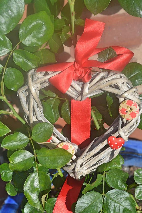 Red Wicker Heart Hanging Decoration with Buttons and Ribbon. £8 CthulhuCatCult #valentinesdaygiftideas #heartwreath