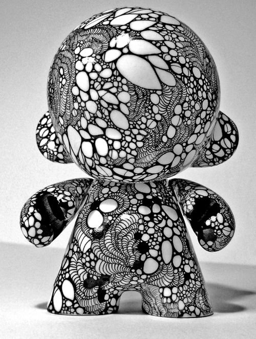 Danny Roldan's Munny...zentangle inspiration