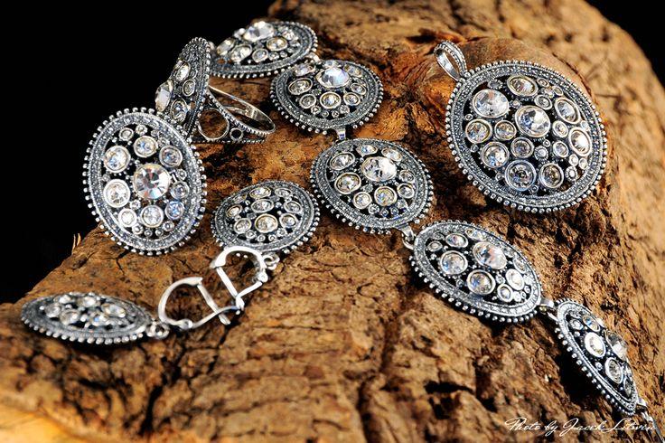 http://fotografuj.wix.com/jaceklitwin