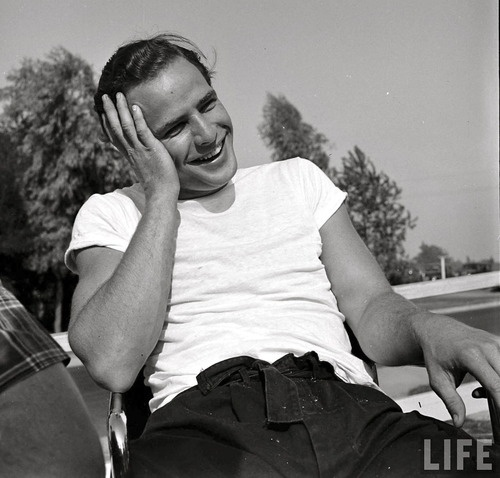 paos de brando single men We've scoured the internet to bring you the most beautiful men of brando's characters may not him that much more attractive in every single role he.