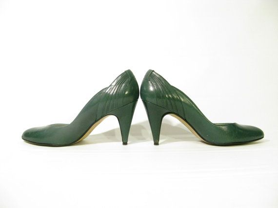 Emerald Green 80's High Heels Sexy size 6 by 3rdCultureVintage, $25.00