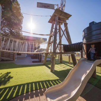 Sandstone Point Hotel - Child Friendly Cafe • Brisbane Kids