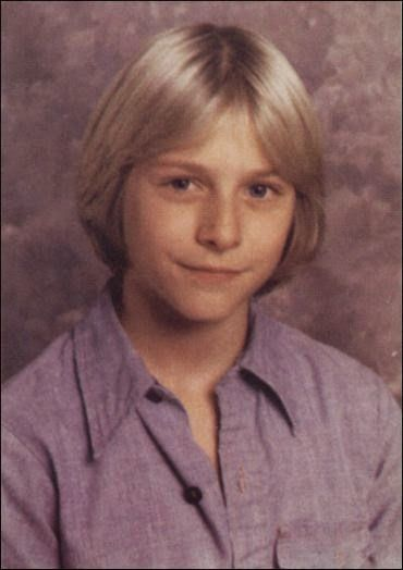 vintage everyday: Rare Pictures of Kurt Cobain's Family and His Childhood from the late 1960s and 1970s