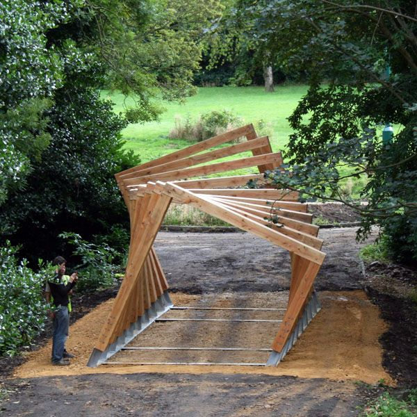 Nicely 'twisting' pergola