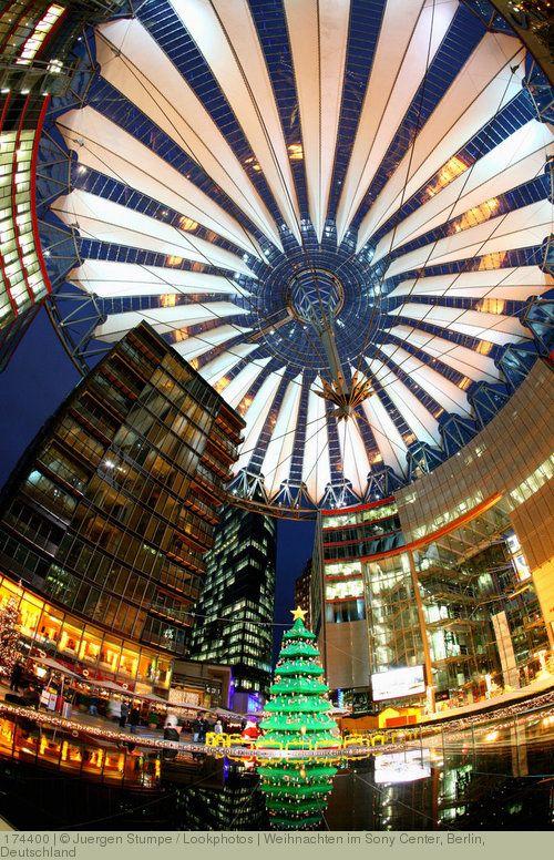 Weihnachten im Sony Center, Berlin, Deutschland