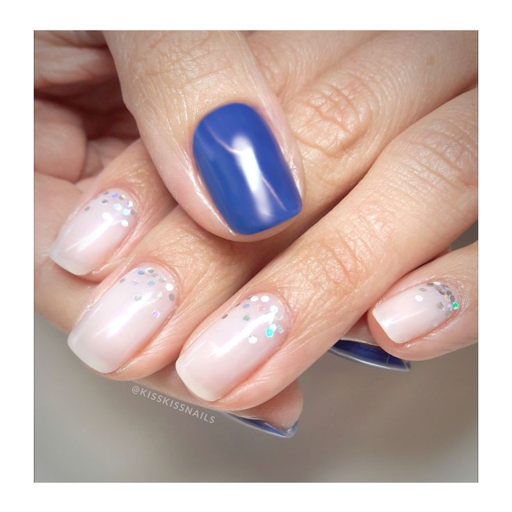 Being unique is better than being perfect! 💙💙  . .  #kisskissnails #beautylounge #confettinails #nailsoftheday #instanails #nailart #jessica #7free #vegan