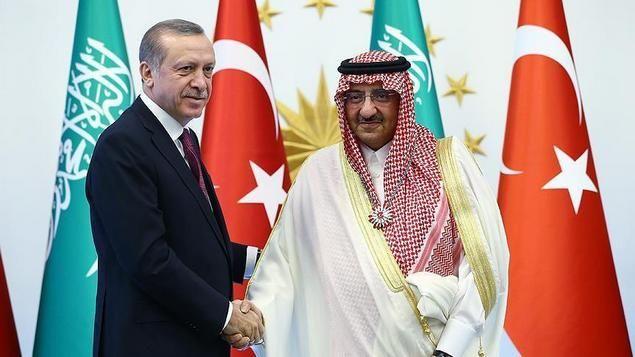 "Erdogan Sampaikan Terimakasih pada Arab Saudi Atas Dukungannya Pasca Kudeta  [portalpiyungan.com]ANKARA - Presiden Turki Recep Tayyip Erdogan mengucapkan terima kasih kepada putra mahkota Arab Saudi pada hari Jumat (30/9) atas solidaritas negaranya saat Turki dikudeta pada 15 Juli. Erdogan menyambut Pangeran Mahkota Arab Saudi Muhammad bin Nayef bin Abdulaziz al-Saud dengan upacara resmi di Kompleks Kepresidenan di Ankara dalam kunjungan resmi kenegaraan Arab Saudi ke Turki. ""Saya ingin…"