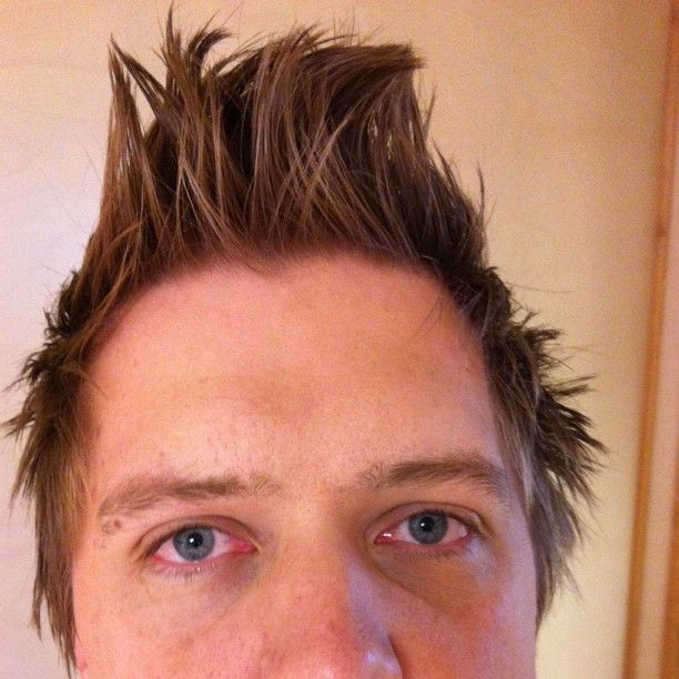 Har fått en Jedward-frisyr under natten