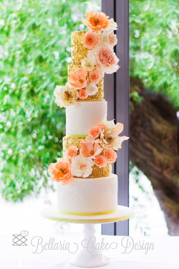 Gold and sparkly wedding cake by Bellaria Cake Design  - http://cakesdecor.com/cakes/214263-gold-and-sparkly-wedding-cake