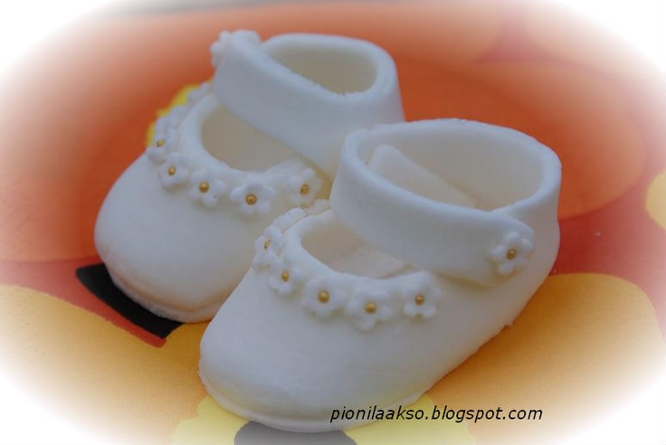 Cake Decorating Baby Shoe Template : 10+ images about Sketches & Patterns on Pinterest Baby ...