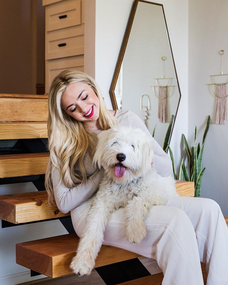 """2,881 Likes, 15 Comments - Architectural Digest (@archdigest) on Instagram: """"How would a 19-year-old decorate her first home? @instagram, of course! Former @disney actress and…"""""""