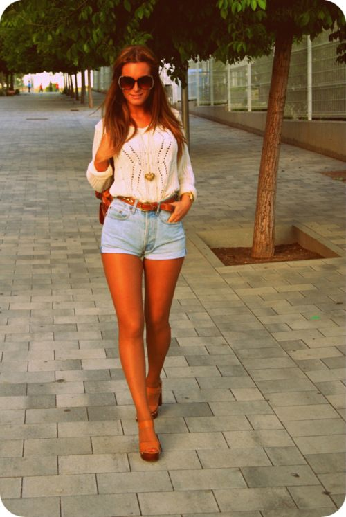 That outfit! high rise jean shorts and white top big ...