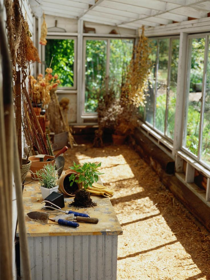 Greenhouse Flooring, Heating and Staging Homemade
