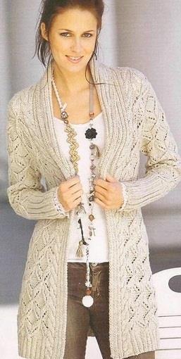 Женский удлиненный жакет вязанный спицами
