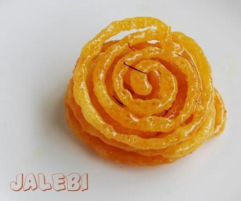 Jalebi at Budha Halwai Read about it http://justnashik.com/2014/07/09/must-eat-delicacies-on-fast-in-nashik/