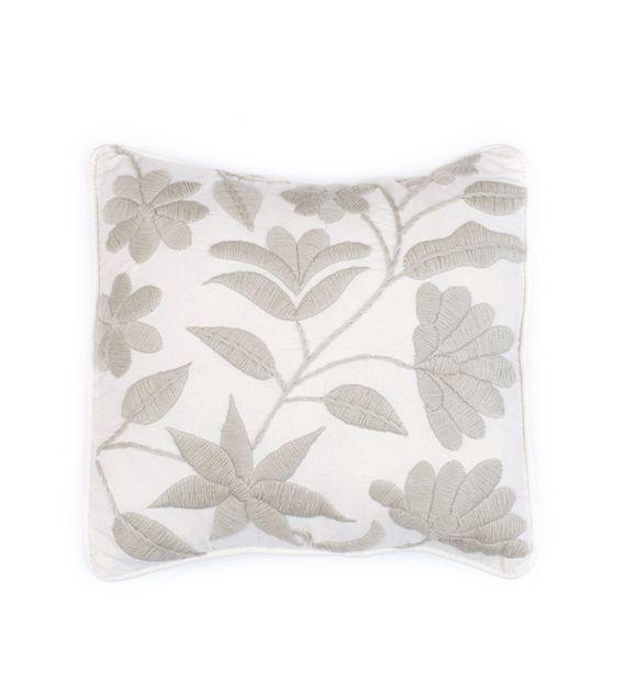 almohadon-flor-nueva-cuadrado-monocromatico | Embroidery, Stitchery ...