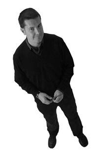 Enrico Cesana :: Designer di: Soozy - C-Keef small - Square - Lampadin@ - HoleInOne :: Nato a Desio nel 1970 si è laureato in Architettura presso il Politecnico di Milano. Attivo nei settori: industrial, interior design e comunicazione. Ha evitato per scelta la strada dei concorsi e si è dedicato allo sviluppo di rapporti con le aziende del settore. Per lui le 3 key-word progettuali sono: unicità; concretezza; feeling.
