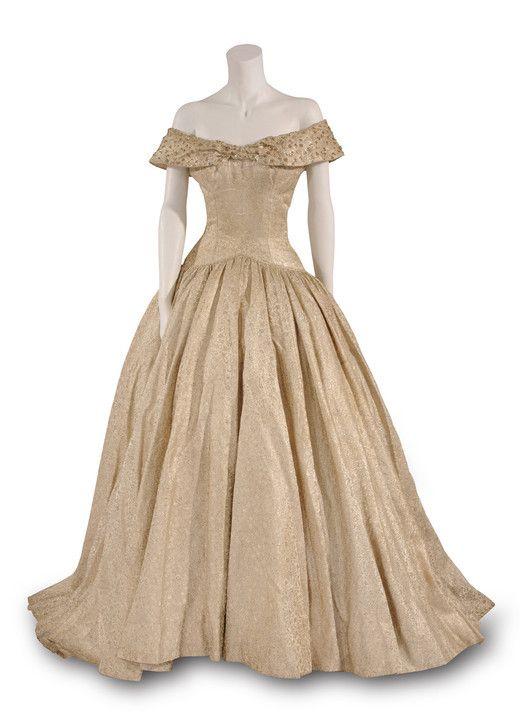 Costume designed by Edith Head for Audrey Hepburn in Roman Holiday (1953) Bunka Gakuen Costume Museum