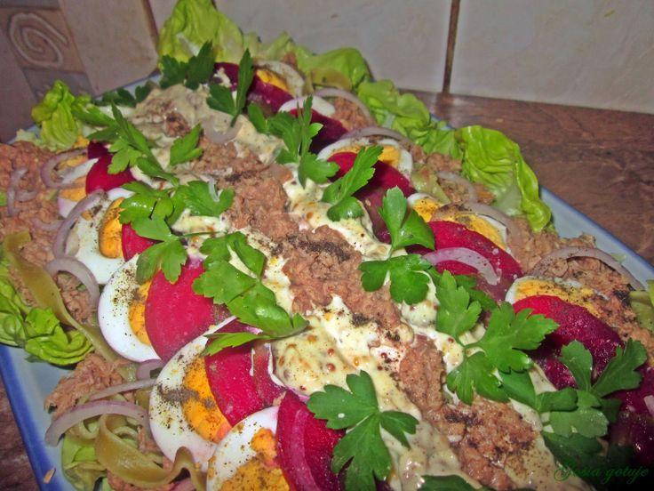 Gosia gotuje...: Sałatka z tuńczykiem