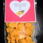 Cute, non-sweet snack for Valentine's Day.. goldfish crackers!