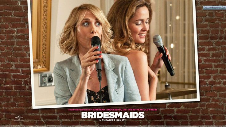 Bridesmaids – Kristen Wiig And Rose Byrne Mic In Hand