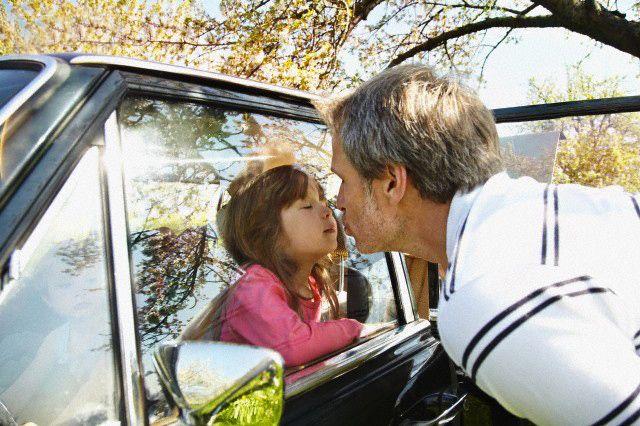 Window Kiss @ www.wikilove.com/Window_kiss