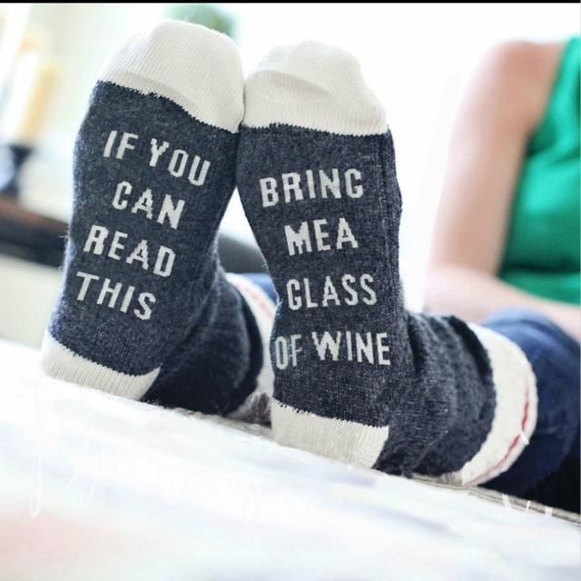 If You Can Read This Bring Me A Glass Of Wine Socks – Wine O'Clock Somewhere #wine #socks #moms #Christmas #Gift #accessories