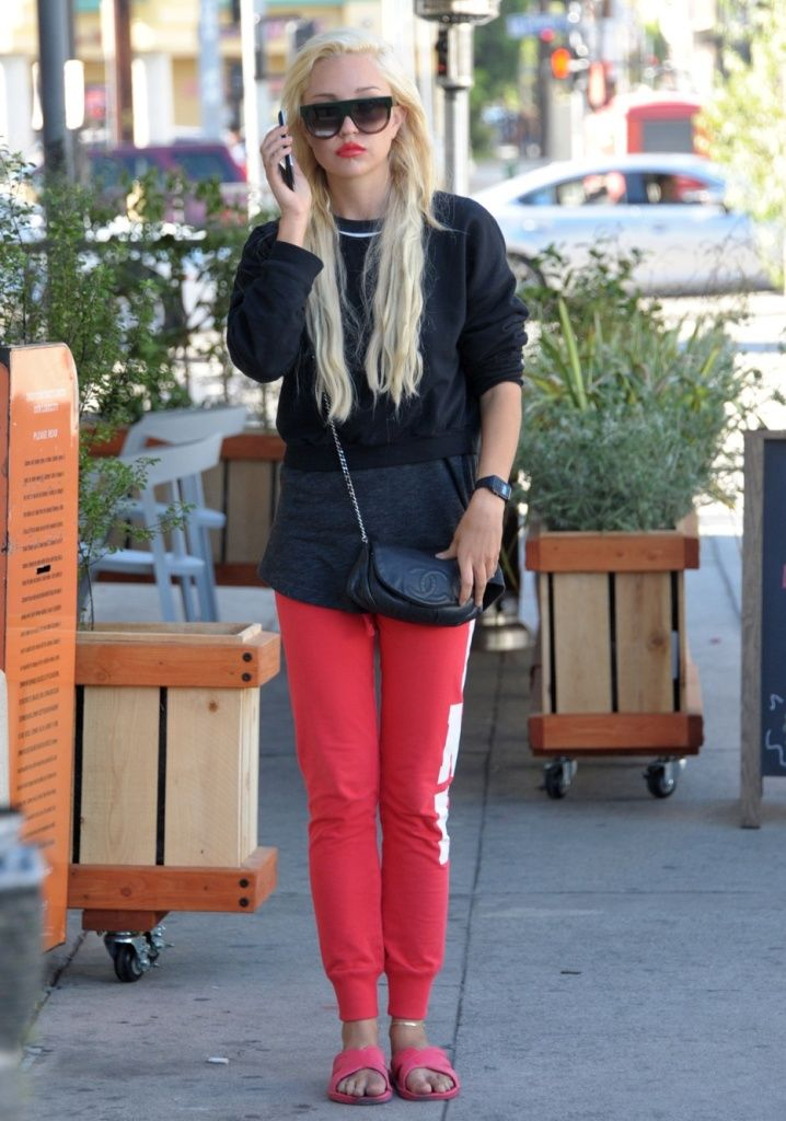 Queen Amanda Bynes Wins! After Conservator Transfer She Was Spotted Looking Fabulous On 3rd Street In LA - http://oceanup.com/2014/11/06/queen-amanda-bynes-wins-after-conservator-transfer-she-was-spotted-looking-fabulous-on-3rd-street-in-la/
