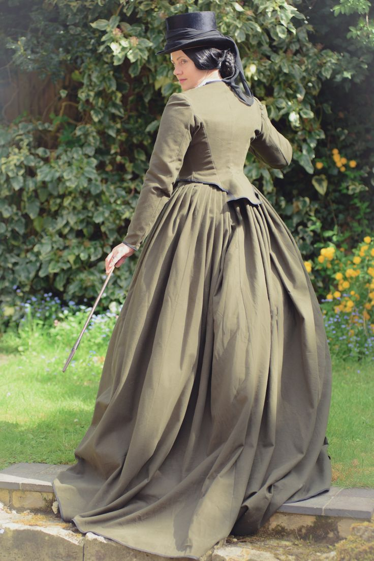 Pin by Barbara Toncheff on Victorian Riding Habit Side ...