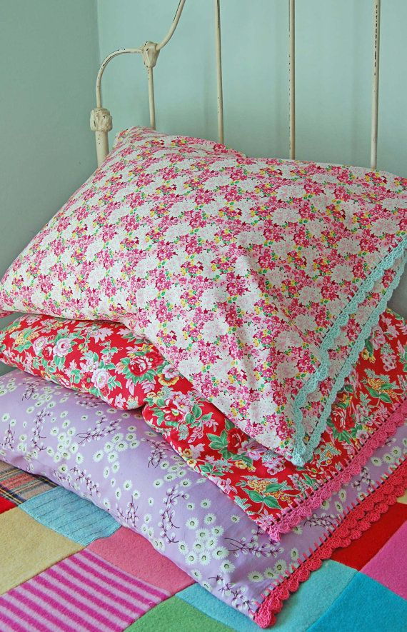 pillowcase with crochet trim Pretty Meadow by rosehip on Etsy & 115 best Fun pillow cases images on Pinterest | Pillow cases ... pillowsntoast.com