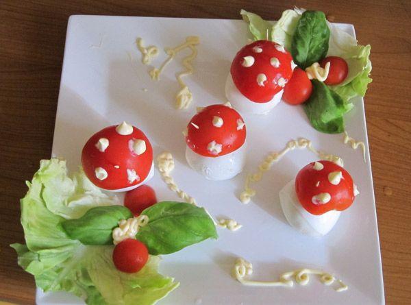 Funghetti di ovoline e pomodori