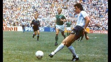 Jorge Valdano tuvo la mala suerte de ser excluido, por una repentina lesion, no fue para el mundial de Italia